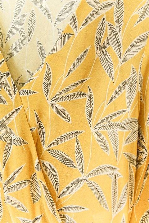 Detalle del estampado de la blusa Filipinas