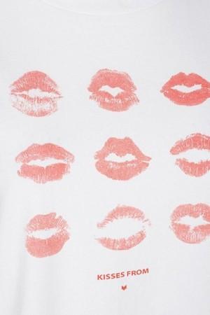 detalle-camiseta-besos-