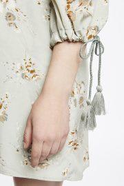 detalle de la manga vestido floral Meisïe