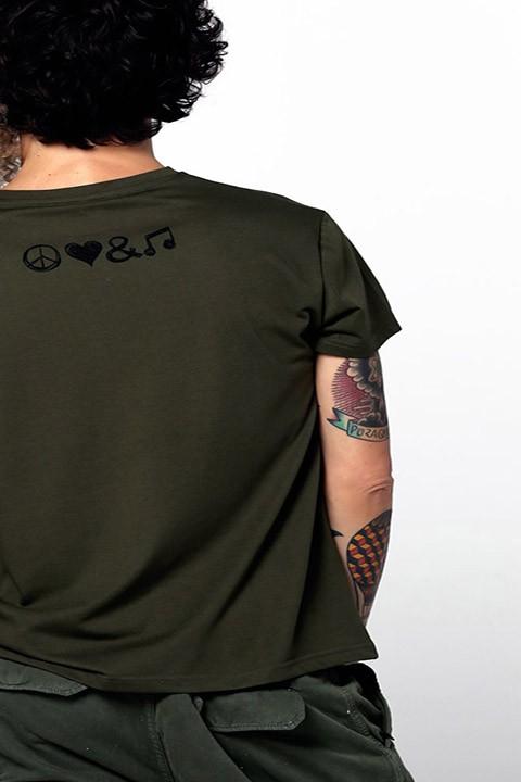 Detalle de serigrafía en la espalda.