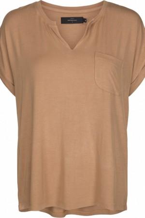 Camiseta en tono camel Peppercorn.