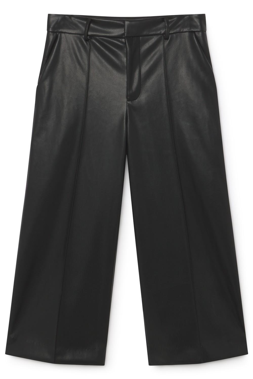 Pantalón cropped en negro de Skatïe.