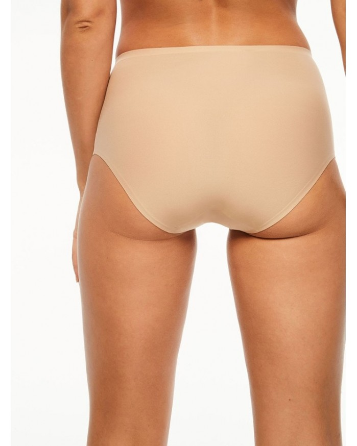 Braga soft stretch 26470 de Chantelle en tono piel.