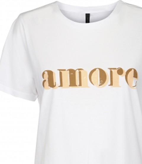 Detalle de las letras. Camiseta Mimmi, Peppercorn.