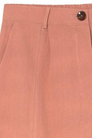 Detalle del pantalón slouchy