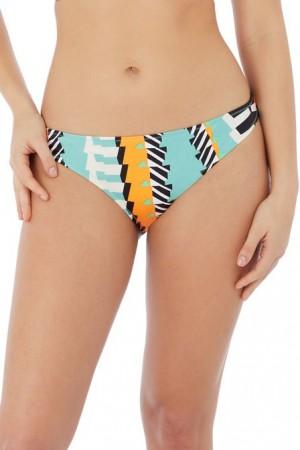 brasileña bikini bassline. Freya.