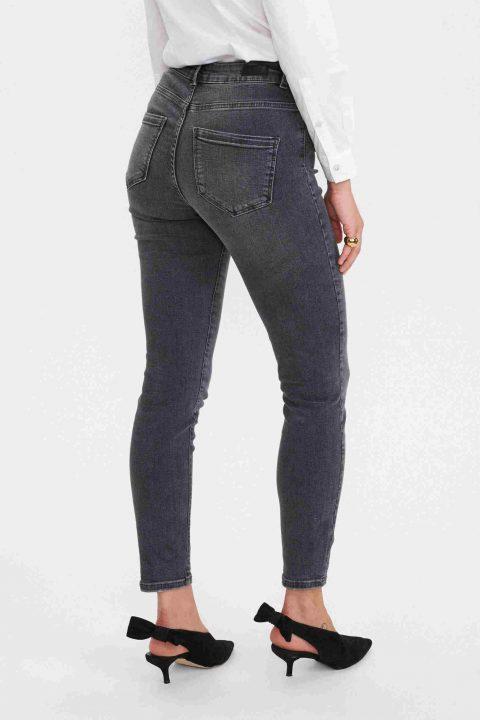 espalda jeans negro lavado nucanyon. Nümph.